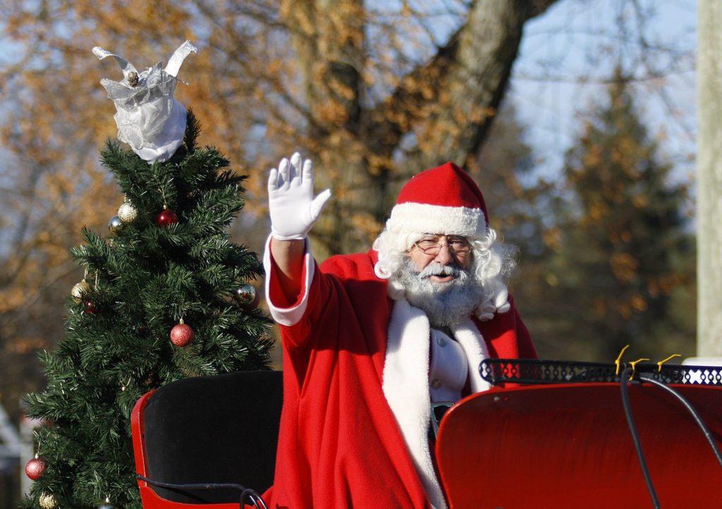 Die Weihnachtsmann-Parade im Weihnachtstal